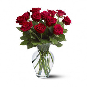 12 Long Stemmed Red Roses buy at Florist